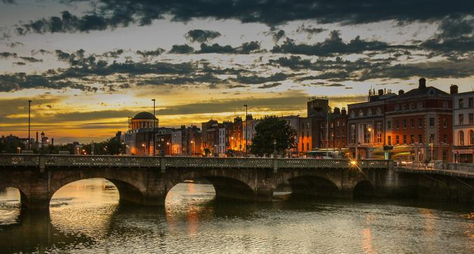 the city of dublin at night